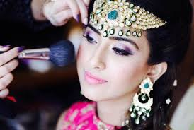 don t you think that one look must him away happywedding life is here to tell you about how to make your best indian bridal make up look amazing on