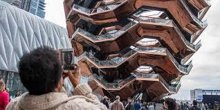I climbed the $200M <b>sculpture</b> in Hudson Yards, <b>NYC's</b> priciest ...