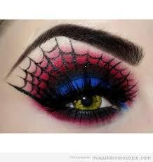 Resultado de imagen de batgirl eyeliner
