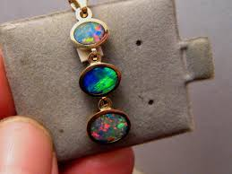 3 stone bright multi color australian opal pendant solid 14 k yellow gold gem odiyif7368 gemstone