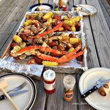 Classic Seafood Boil Recipe - Forks and ...