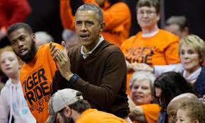 Preisdent Barack Obama roots for his niece during Princeton basketball game  | Daily Mail Online