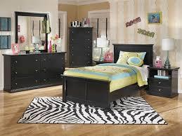 black furniture bedroom ideas. Bedroom Luminated Wooden Floor Bed Design Black Furniture Set Modern White Nightstand Table Ideas