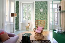 Ravishing colors bring this Milan apartment renovation to life ...