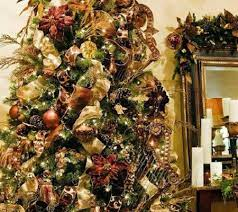 It's not as large as paramus or cherry hill, but they have a wide selection of just about anything you're looking for from decorations to dvd's to furniture. Christmas Shop Devries