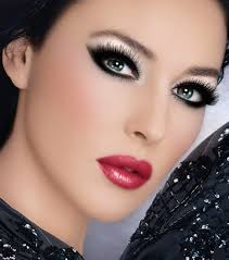 today i came across the above picture of this really nice makeup on this model i am not really sure who she is but i just came across it when i was