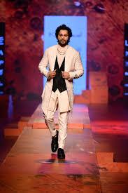 Kunal Rawal Fashion Designer Pin By Google Trends India On Fashion Lakme Fashion Week