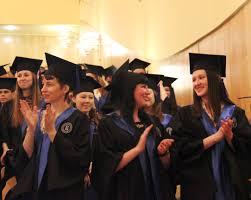 Торжественная церемония вручения дипломов Новости Вечерне  От всей души поздравляем наших выпускников с успешным окончанием Высшей школы экономики и желаем им успехов и удачи на всем профессиональном пути