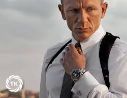 There's a bit of dialogue in Casino Royale, the 2006 reboot of the James Bond movie franchise, when Vesper Lynd thinks she has Bond figured out, ... - watches-of-james-bond-timekeeping-gear-patrol-