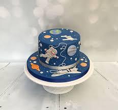 Space Birthday Cake Designs Spaceship Themed Birthday Cake Themed Birthday Cakes