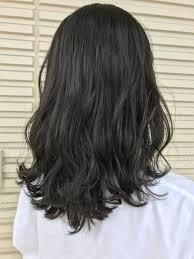 黒に近い髪色アッシュブラックは透明感のあるヘアhair