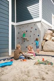diy backyard wall via impatiently crafty