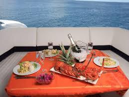 lunch at yacht ile ilgili görsel sonucu