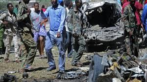الصومال - مقتل خمسة عشر شخصا في هجوم انتحاري على فندق وسط مقديشو