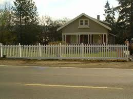 vinyl picket fence front yard. Perfect Fence Vinyl Picket Fence Front Yard Vinyl Scalloped Picket Fence Outdoor  Spaces Pinterest Rhpinterestcom White Spoke Fencing To I