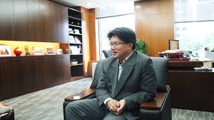 huang de top executive of bank of seoul branch invest seoul huang de top executive of bank of seoul branch