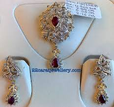 gold diamond pendant set designs