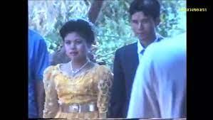 แชร์กันสะเทือนปฐพี! คลิปแต่งงานในอดีตของหม่อมนุ้ย สุทิดา วชิราลงกรณ์  จะได้เป็นพระราชินีมั้ยอ่ะ! - วิดีโอ Dailymotion