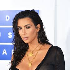 here s every it took to get kim kardashian s 516 fresh faced look at the 2016 mtv vmas glamour
