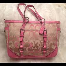 Large COACH monogrammed Pink Shoulder Bag COACH A1159-F15669. In great  shape.