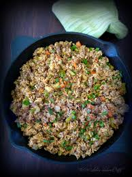 celery onions and creole es such as cayenne and black pepper parsley chopped green onions are mon garnishes added to the traditional recipe