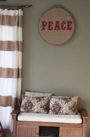 Simple DIY Christmas Decor – Burlap and Glitter | Christmas decor diy, Diy  christmas party, Christmas diy