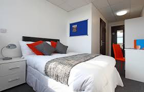 Paisley Bedroom 1 Bed Student Flat In Paisley Classic En Suite Bedroom Gilmour