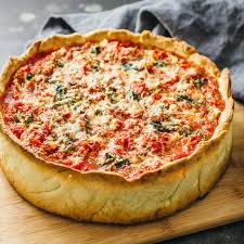 chicago deep dish pizza with spinach