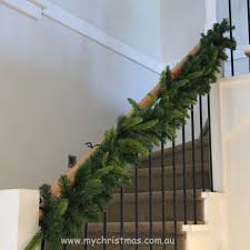Christmas Staircase Garland Ideas  Bathroom Decorations : Simple .
