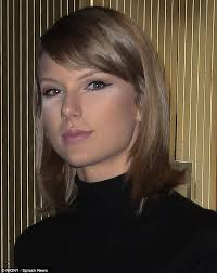 concealing tired eyes tswift didn t appear to blend her concealer properly