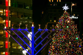 8th annual menorah in the d brings light to rainy 1st night of chanukah