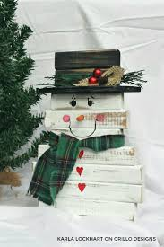 diy wooden snowman made from spindles grillo designs blog grillo designs