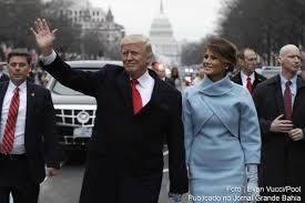 eua donald trump assume presidência com discurso protecionista e posse de donald john trump como 45º presidente dos estados unidos