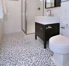 20 Black and White Bathroom Floor Tile design to Refresh the Bathroom Look   Black and white penny bathroom floor tile design