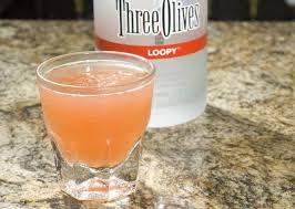 fruit loop shot 1¼ ounces three olives loopy vodka ½ ounce dekuyper strawberry liqueur ½ ounce dekuyper hazelnut liqueur ½ ounce licor 43 splash orange