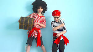 how to make pirate costumes quick and easy