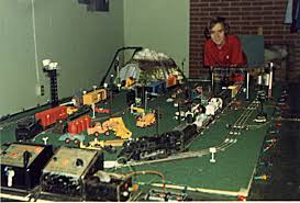 e train tca toy trains train collectors association that s me enjoying my first lionel layout in 1975