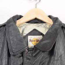as it is used leather item the uity is stained slightly and there is huskiness but you have you arrest him as a real expression of the leather item