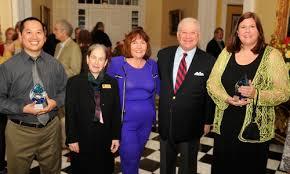 Saxon Humbled to Win Smotherman Faculty Award – Newsroom