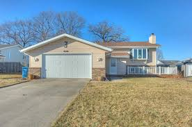 632 N Lillian St, Griffith, IN 46319 | Zillow