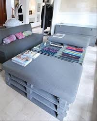turning pallets into furniture. here he have 10 diy wood pallet projects for your house by using pallets we can create more interesting because public response been turning into furniture