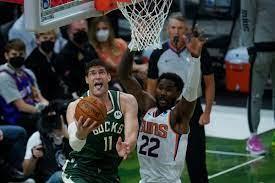 Deandre Ayton's foul trouble put Suns ...