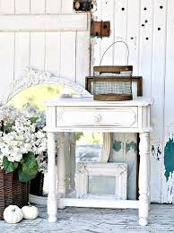 how to spray paint home decor white