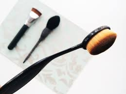 oval makeup brush review. mac makeup brush dupe oval review r