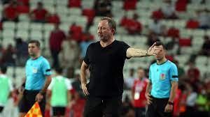 Beşiktaş'ın Antalya'daki geri dönüşünde fitili Sergen Yalçın'ın sözleri  ateşledi – Sözcü Gazetesi