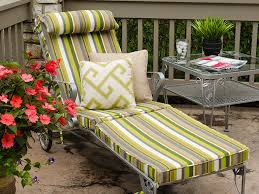 diy hinged cushions for a patio lounge chair