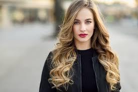 Модные прически на длинные волосы Телеканал СТБ Смотрите подборку с фото о том какие прически и укладки на длинные волосы будут в тренде в 2018 году