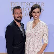 Alman radyo ve televizyon sunucusu. Ard Moderatorin Pinar Atalay Das Baby Ist Da Intouch
