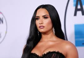 Demi Lovato Uk Charts Demi Lovato Forces Apology From Instagram After Calling Out