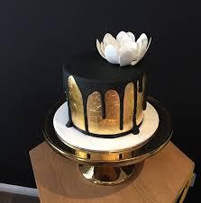 gold leaf sugar flowers and black drips bliciouscakes goldleafcake goldleaf goldcake 30thbirthday